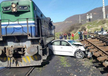 مرگ سرنشینان خودرو در برخورد با قطار مسافری اهواز- تهران