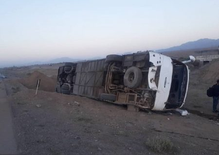 واژگونی اتوبوس اسکانیا در دامغان ۳۳ مجروح بر جا گذاشت