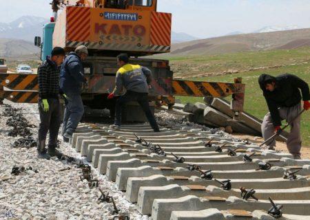 انتقال بخشی از سهم جاده در حمل کالا به ریل با تکمیل کریدور ریلی شرق-غرب کشور