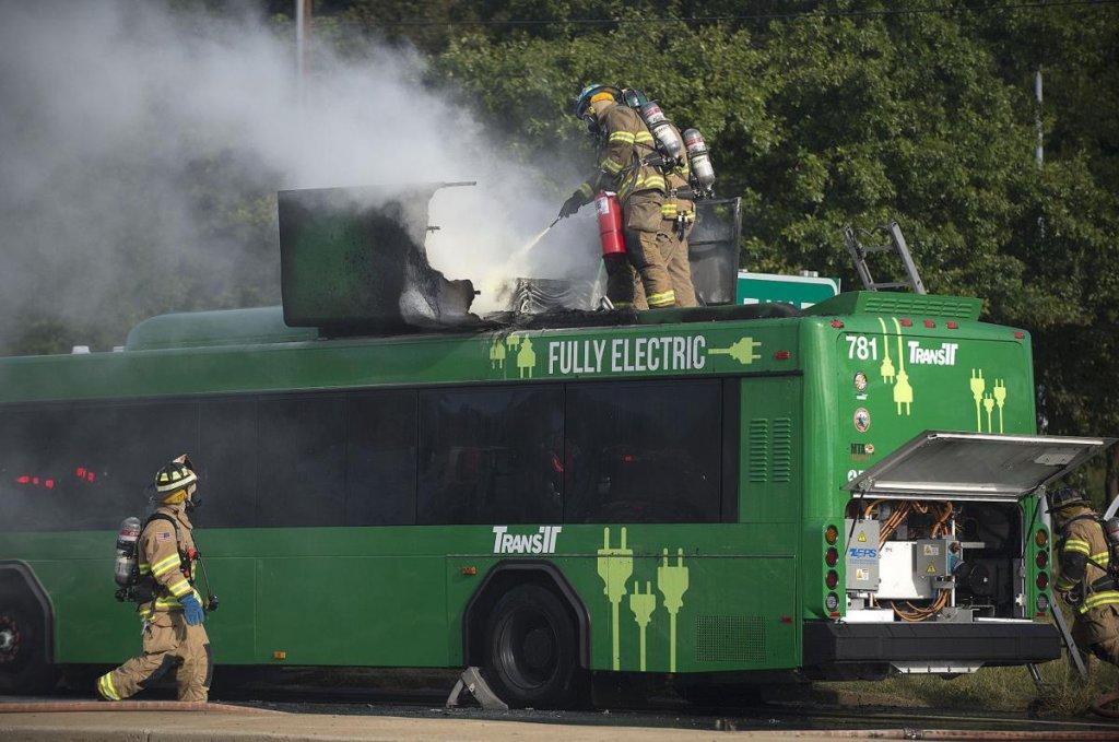 خودروهای برقی، کابوس آتش نشانان